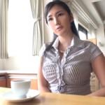 【セレブ巨乳妻は元CA】元CA!気品漂うアラサーGカップ妻が初めての人前H
